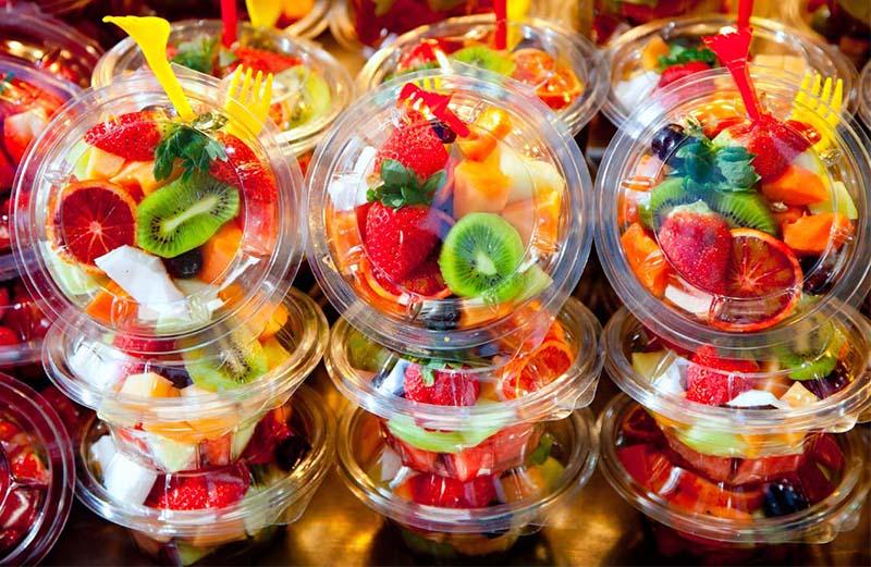 Ensaladas de frutas frudelia for Decoracion de ensaladas
